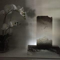 Translucide sur pierre de taille 1 avec lumière d'appoint - Alain Rebord